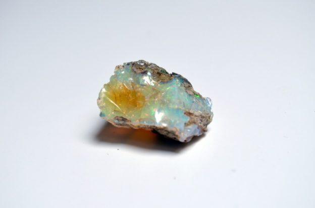 opal-757153_1920